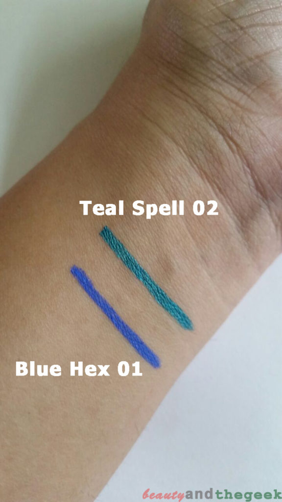 NYKAA GLAMOReyes Eyeliner pencil swatches of teal spell and blue hex