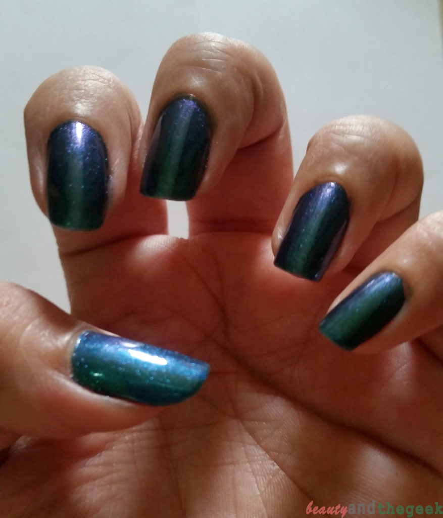 Stay Quirky Nail Polish Holographic Effect Black Magic - Talisman 1108 swatch