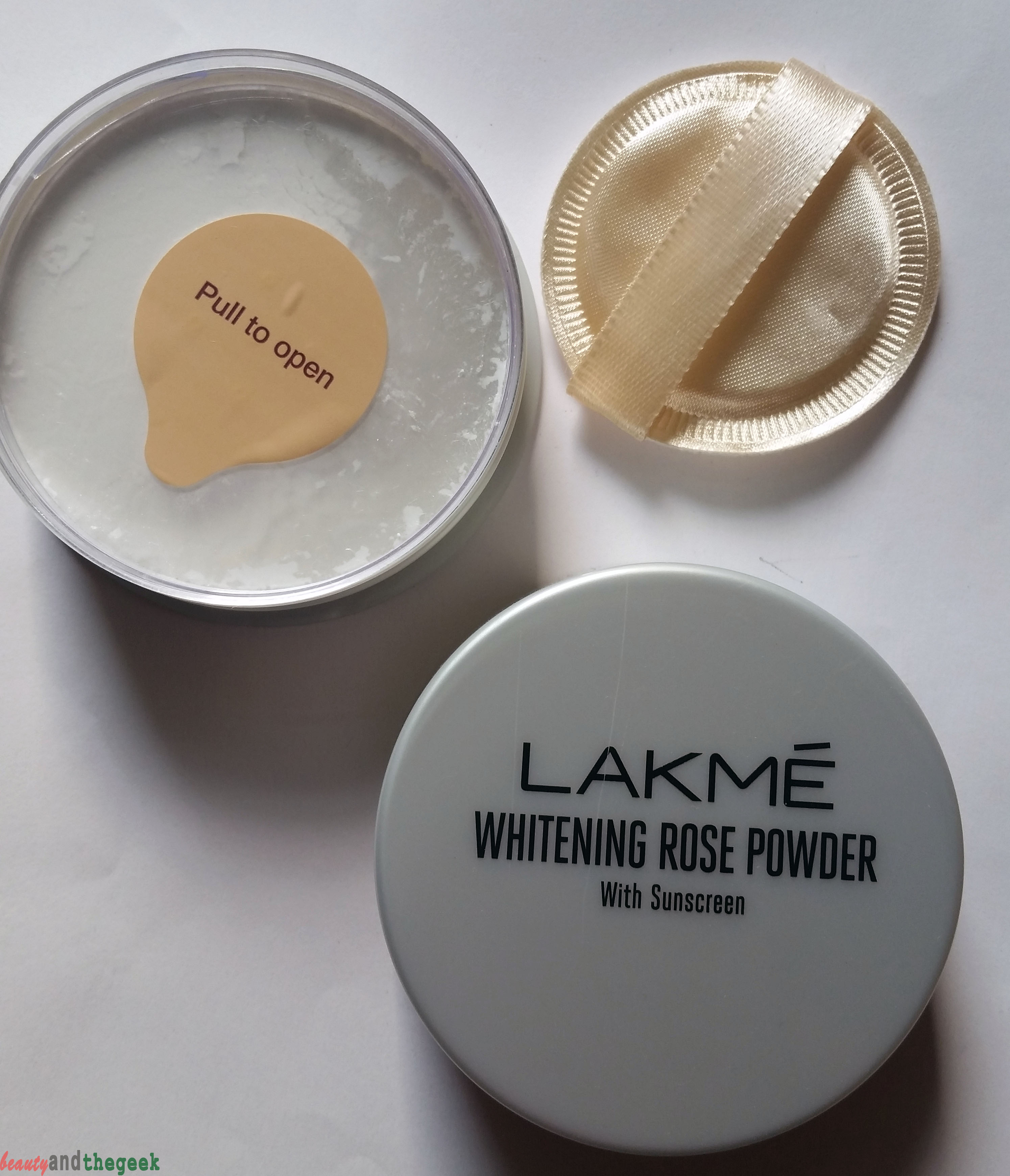 LAKME Whitening Rose Powder with Sunscreen review