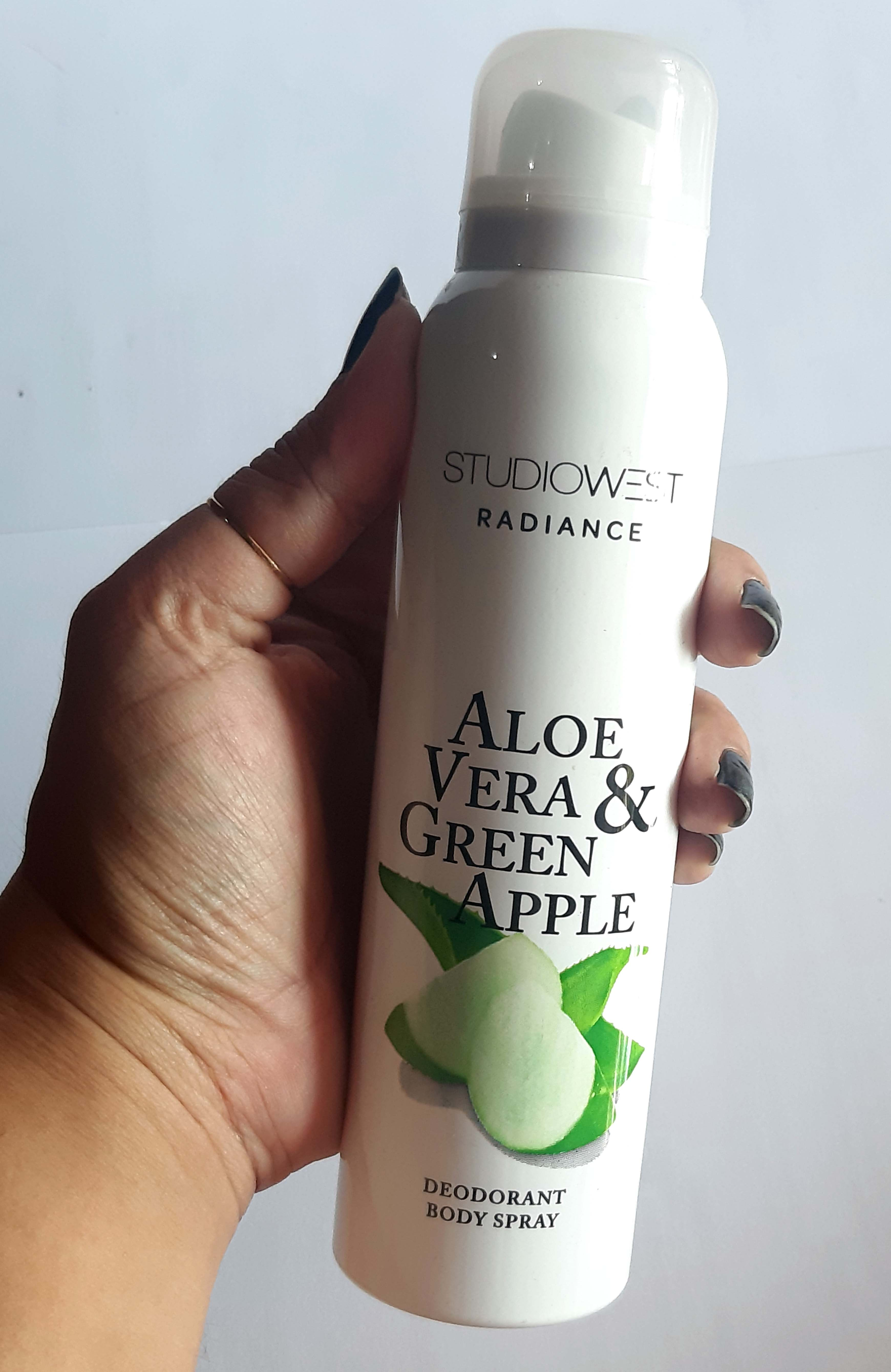 STUDIOWEST RADIANCE Aloe Vera & Green Apple Deodorant Body Spray