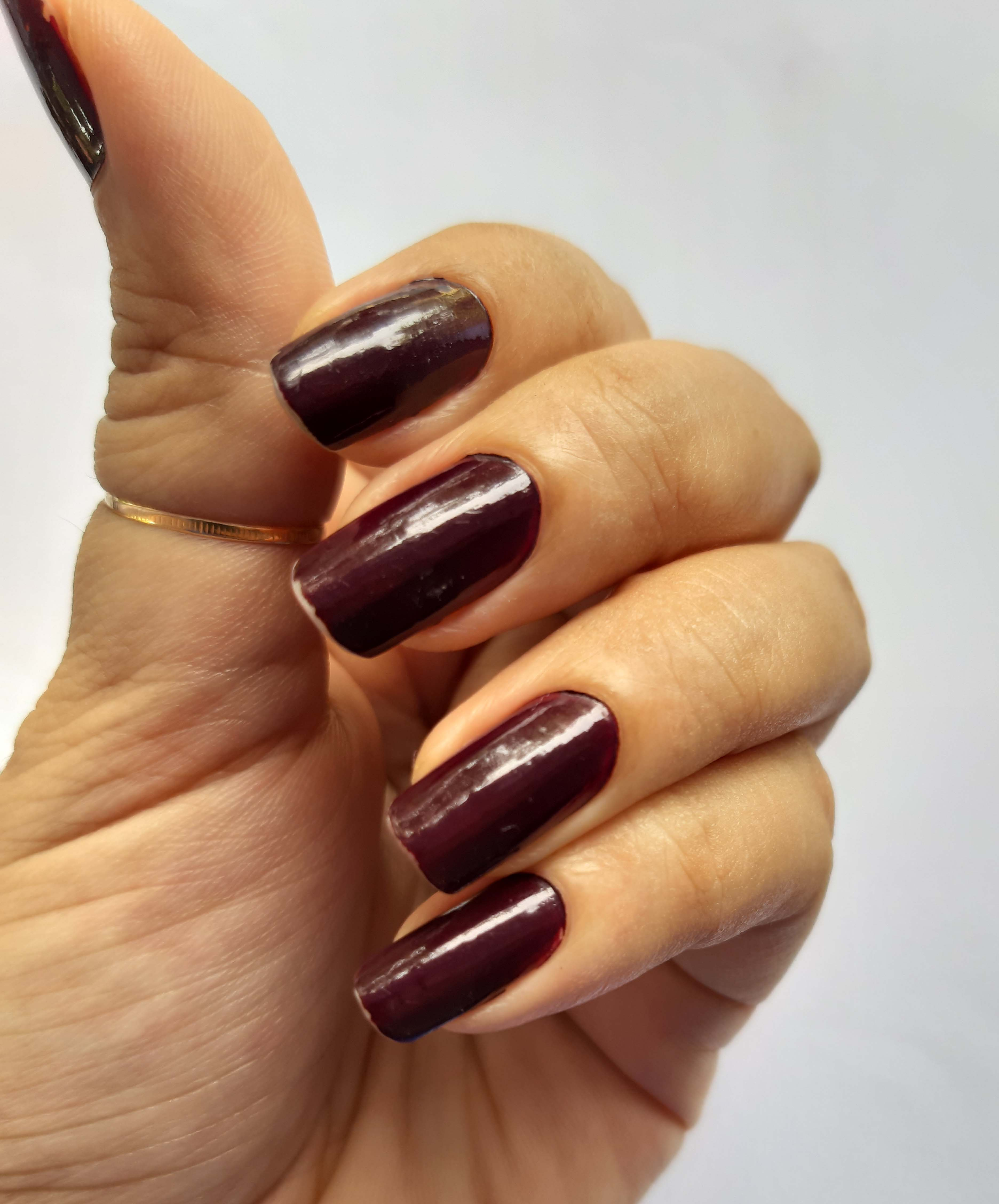 nail swatch of Primark PS Gel Effect Longwear & one coat Nail polish wine